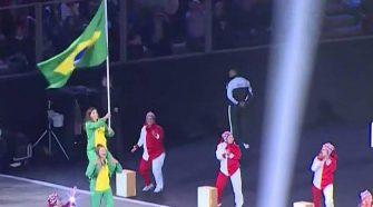 Martine e Kahena porta-bandeiras na Abertura do Pan (Divulgação/Surto Olímpico)