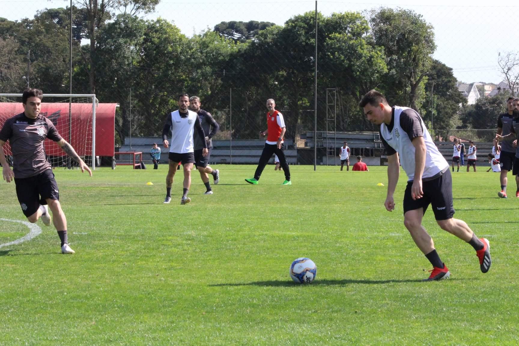 Figueirense treina no Ct do Athlético (divulgação/Figueirense)
