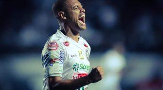 Lázaro fez o único gol do jogo na vitória do Operário (José Tramontin/OFEC)