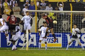 Atlético eliminou Santos com dois gols de Aloísio (divulgação)