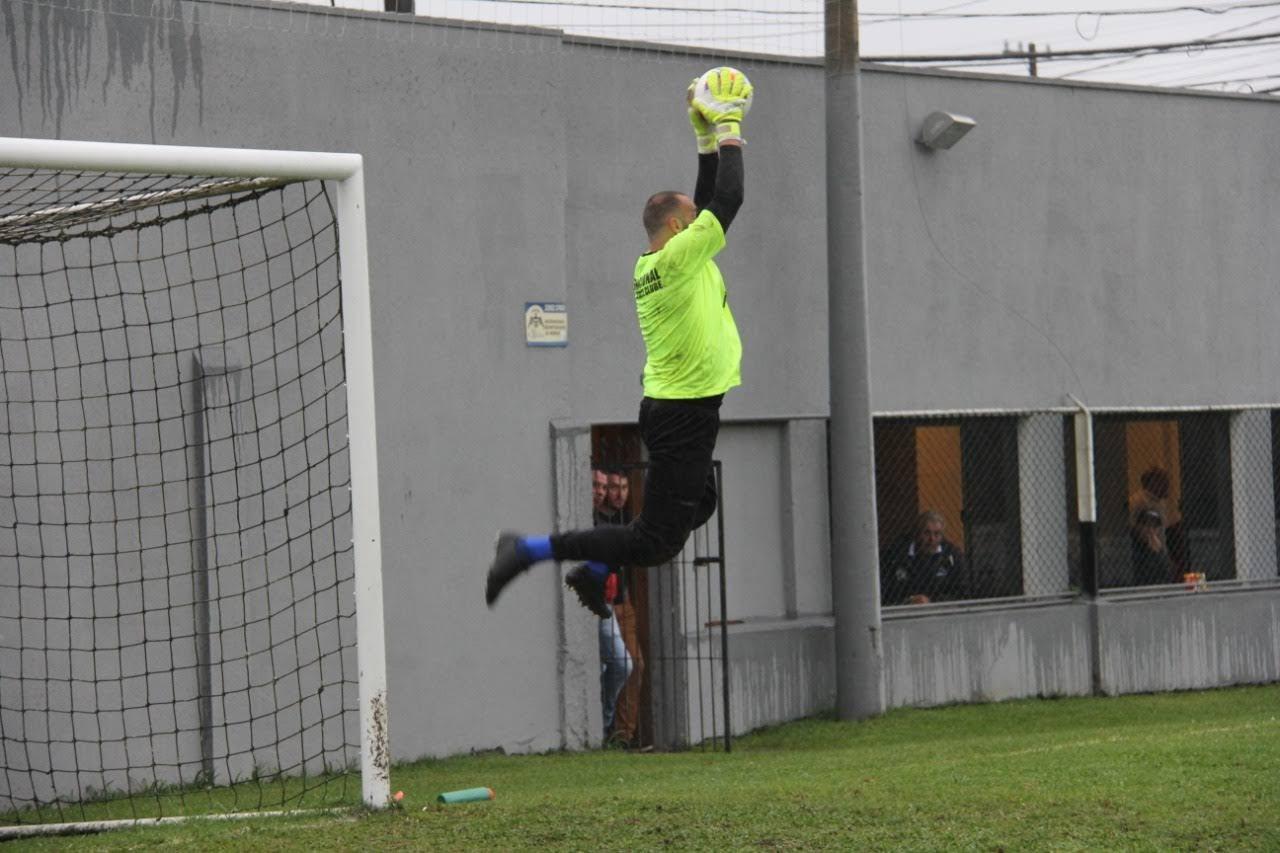 Diego Molina fazendo uma defesa (arquivo pessoal do atleta)